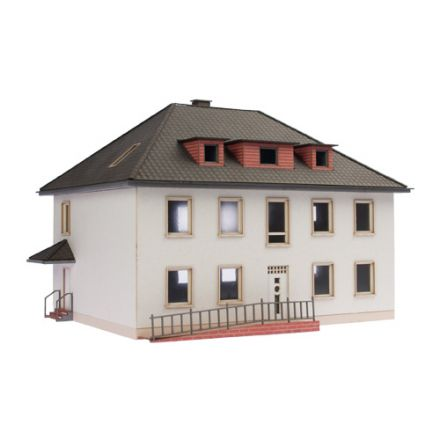 "Unique Laser-Cut Bausätze - Wohnhaus ""Sonja"" - L: 171mm x B: 136mm x H: 140mm - H0 (1:87) - (01-03-003)"